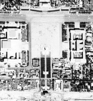 Tiananmen Square - Satellite image of Tiananmen Square. (1967-09-20), the Tian'anmen gate to the north