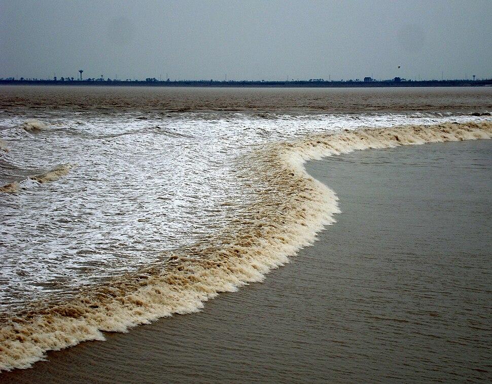 Tidal bore at the Qiantang river, Hangzhou