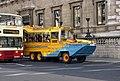 """Tourists on the streets of Pall Mall- Туристическая амфибия """"Дездемона"""". - panoramio.jpg"""