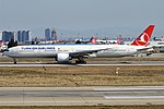 Turkish Airlines, TC-JJM, Boeing 777-3F2 ER (40671486043).jpg
