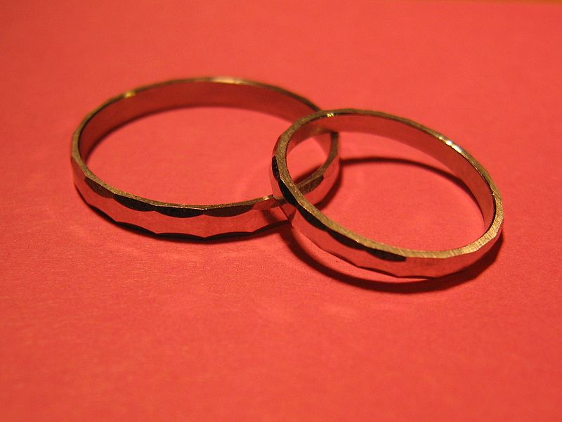File:Two rings.JPG