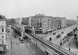U-Bahnhof Görlitzer Bahnhof  [Public domain], via Wikimedia Commons