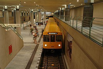 U55 (Berlin U-Bahn) - A train at Bundestag station