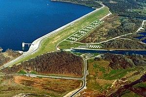 English: Saylorville Dam, impounding Saylorvil...