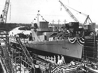 USS Fiske (DE-143) - Image: USS Fiske launching