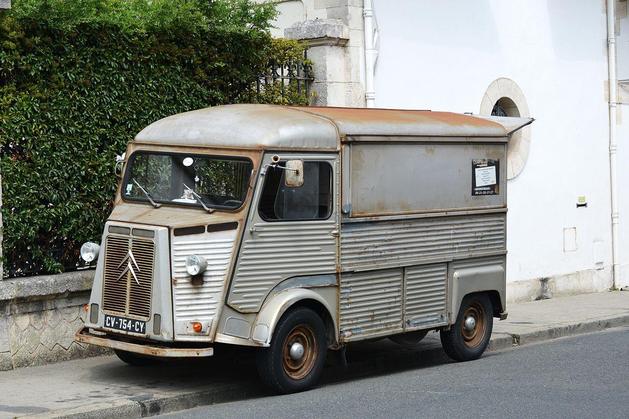 Un Food Truck Peu Il Vendre E A Ac  Ea B Banger