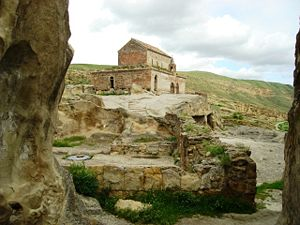 Uplistsikhe - The Uplistsikhe cave complex with a 9th/10th century three-nave basilica