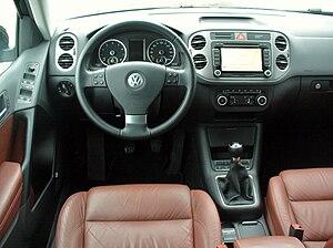 Volkswagen Tiguan - Pre facelift interior