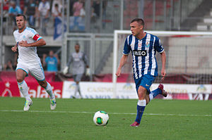 Marat Izmailov - Izmailov in action for Porto against Marseille in a July 2013 friendly