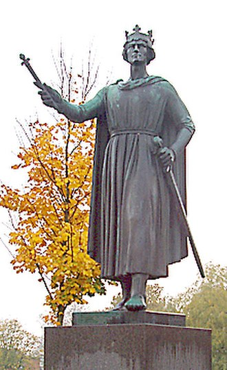 Valdemar I of Denmark - Statue of Valdemar the Great in the town square of Ringsted.