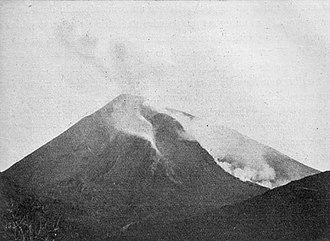 1906 in Italy - Mount Vesuvius immediately before its 1906 eruption