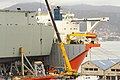 Vigo Soldando el portaaviones HMAS Adelaide sobre el buque-plataforma Blue Marlin (11359186194).jpg