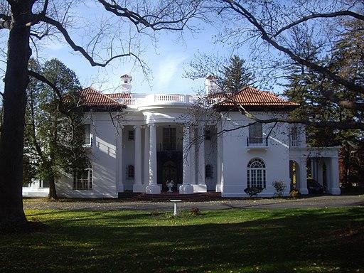 Villa-lewaro