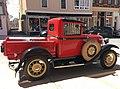 Vintage Ford pickup (41094622804).jpg