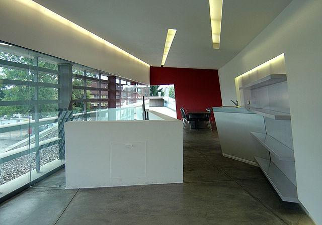 File:Vitra fire station, upper level interior 1, Zaha ...