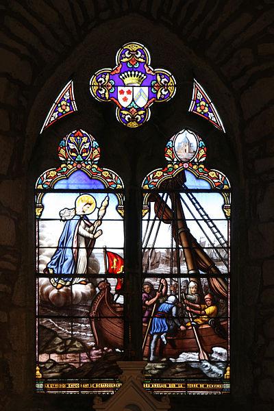Vitrail de la vierge de la chapelle Notre-Dame-de-la-Côte à Penvins (Sarzeau - Bretagne).