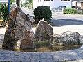 Vockenhausen, Brunnen vor dem Rathaus.JPG
