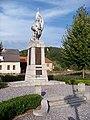 Volyně, náměstí Hrdinů, pomník obětem světové války.jpg