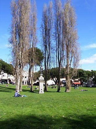 Washington Square (San Francisco) - Image: Washington Square Park (San Francisco)