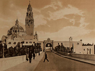 Panama–California Exposition - The Cabrillo Bridge looking towards the West Gate