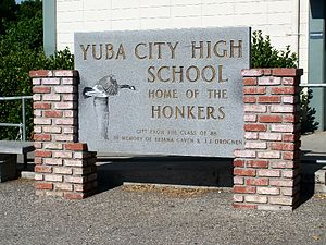 Yuba City, California - Image: Yuba City High School class of 1988 sign 2009