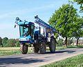 Zlatníky, zemědělský stroj.jpg