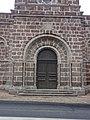 Église Saint-Georges de Saint-Georges-d'Aurac, portail.jpg