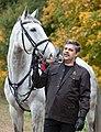 Анджей Мальчевский в конном парке.jpg