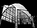 Ограды конюшен с воротами у парка Александрия.jpg