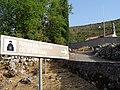 Свјетлопис табле код сербског прав. храма Рођ. Пресв. Богородице, Забрђе, Луштица.jpg