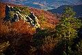 Скелі Довбуша, вид з Основного масиву.jpg