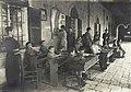 בית חינוך עיוורים ירושלים 1921 נערה עם מפה.jpg