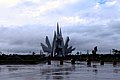 赤山湾海滨地标雕塑【路人】 - panoramio.jpg