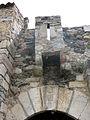 011 Pont Nou, antic portal de Cerdanya, matacà i escut de la vila (Camprodon).JPG