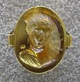 017 arte antica, testa di faustina, quarzo citrino, II sec, restaurato in oro nel XVI sec. ca..JPG