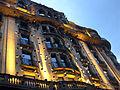 052 Globus oculars, de Frederic Amat, façana Via Laietana.jpg