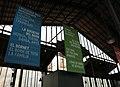 111 Mercat del Born, estructures de ferro i cartells.JPG