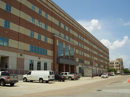 The 1200 Jail, the headquarters of the Harris County Sheriff's Office 1200JailHoustonTX.JPG