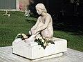 15 Repòs, de Ferran Bach Esteve, cementiri de Terrassa.jpg