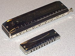16-hole chrom 10-hole diatonic.jpg