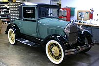 1927 : First Ford Model A Rolls Off Production Line