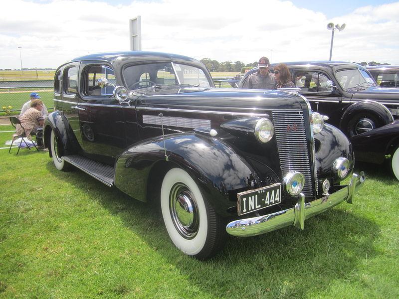 1937 buick sedan for 1934 pontiac 4 door sedan