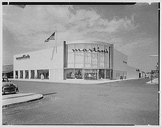 Martin's (New York) - Martin's Babylon Store exterior, August 1956, Gottscho-Schleisner Collection (Library of Congress)