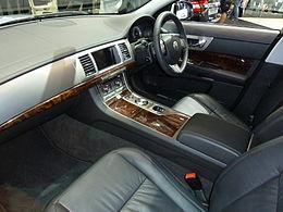 2010 Jaguar XF (X250) sedan (2010-10-16).jpg