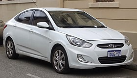 2012 Hyundai Accent (RB) Premium sedan (2018-10-01) 01.jpg