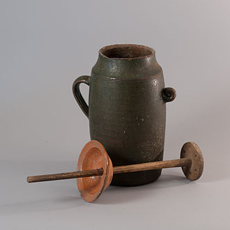 Churning (butter) - Butter churner pot