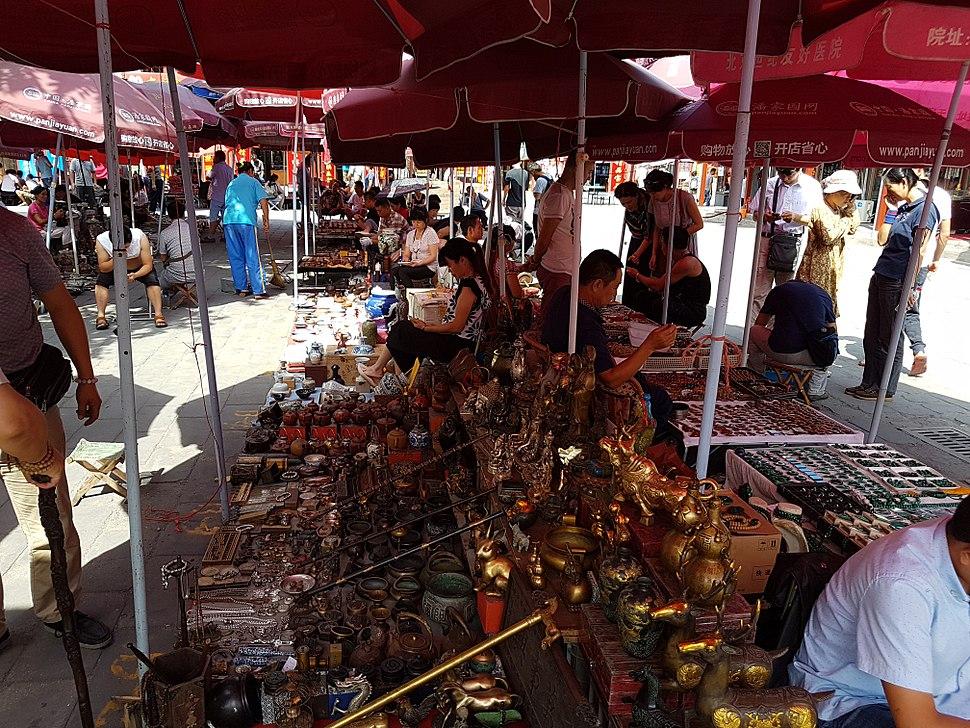 2016-09-10 Beijing Panjiayuan market 30 anagoria