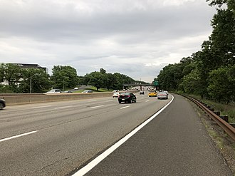 Kenilworth, New Jersey - View south along the Garden State Parkway in Kenilworth
