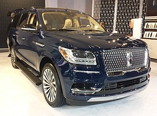 type of luxury SUV manufactured by Lincoln