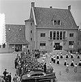 2e dag bezoek Prins Bernhard Gelderland. Jeugd van Ocht voerde volksdansen uit, Bestanddeelnr 905-7511.jpg